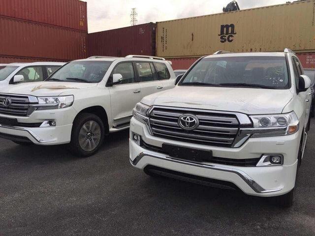 Toyota Land Cruiser 2017 giá 4 tỷ đồng đến Việt Nam