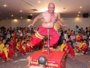 """Tin tức trong ngày - """"Bậc thầy kung fu""""của Việt Nam đã khổ luyện ra sao?"""