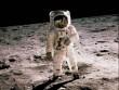 Ảnh màu hiếm về lần đầu con người đặt chân lên Mặt trăng