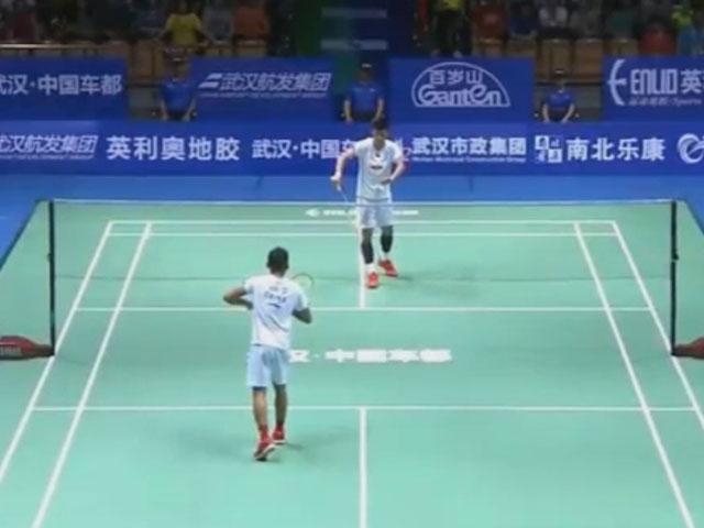 Cầu lông Lin Dan – Chen Long: Thua ngược tan nát (CK châu Á)
