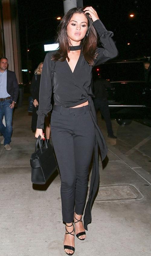 Selena Gomez không thèm mặc 7 món này từ lâu rồi! - 2