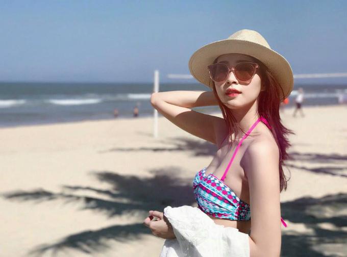 Hoa hậu Thu Thảo tung ảnh bikini hiếm hoi kỳ nghỉ lễ - 1