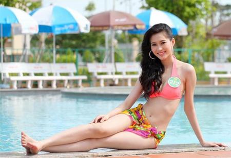 Hoa hậu Thu Thảo tung ảnh bikini hiếm hoi kỳ nghỉ lễ - 4