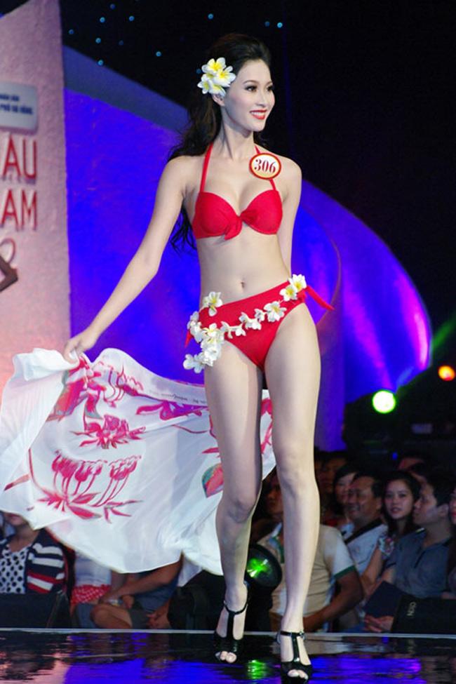 Hoa hậu Thu Thảo tung ảnh bikini hiếm hoi kỳ nghỉ lễ - 5