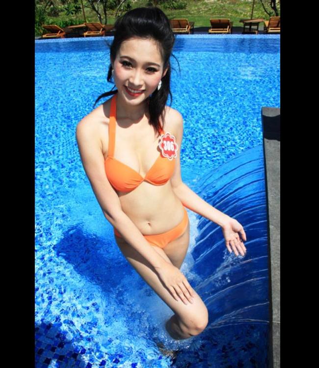 Hoa hậu Thu Thảo tung ảnh bikini hiếm hoi kỳ nghỉ lễ - 7