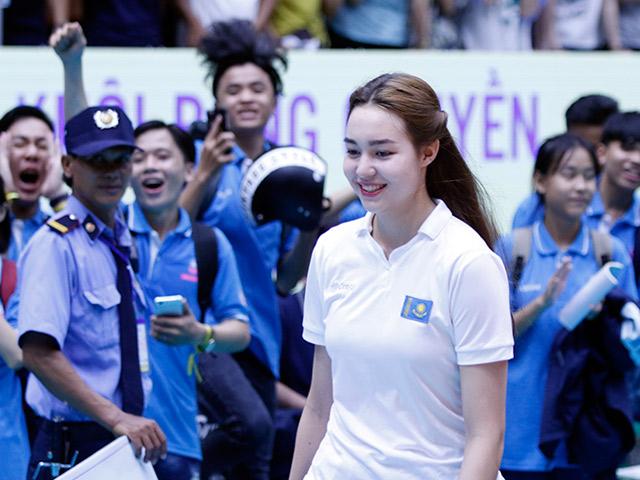 Hot girl bóng chuyền VTV Cup đọ sắc hoa khôi Lan Khuê
