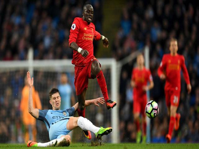"""Stoke City - Arsenal: """"Đè đầu"""" MU, đe dọa Liverpool - 3"""