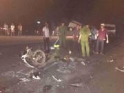 Đối đầu ô tô, 2 thanh niên thiệt mạng