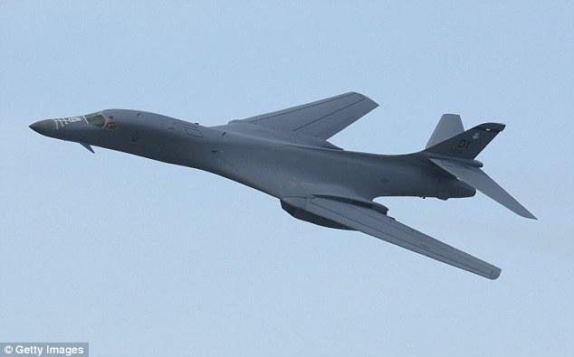Mỹ điều 2 máy bay ném bom chiến lược đến gần Triều Tiên