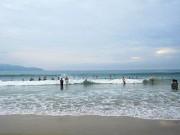 Tin tức trong ngày - Nghỉ lễ đi tắm biển cùng ba mẹ, nam học sinh chết đuối