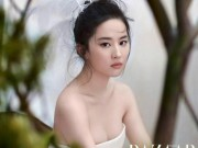 """Tin tức giải trí - Những lần diện cúp ngực của Lưu Diệc Phi khiến fan """"nghẹt thở"""""""