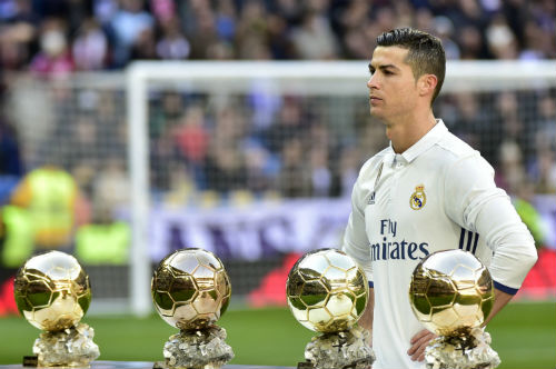 Siêu nhân Ronaldo 200 triệu bảng: Vị vua duy nhất của châu Âu - 2