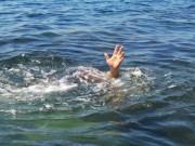 Rủ nhau tắm sông, 3 học sinh chết đuối thương tâm