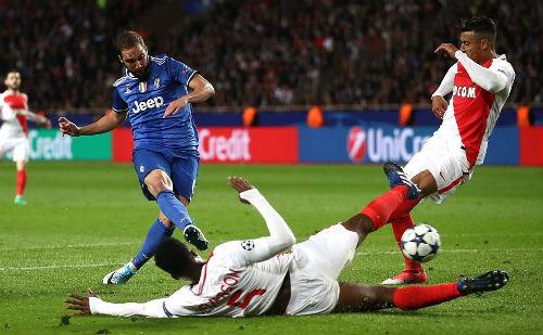 Juventus - Higuain rực sáng: Hãy đợi đấy, Real! - 1