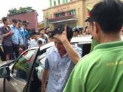 Tin tức trong ngày - Gây tai nạn, Viện trưởng VKS huyện rời xe với nhiều vết máu