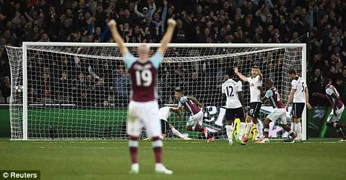 West Ham – Tottenham: Bước ngoặt khủng khiếp - 1