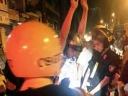 An ninh Xã hội - Táo tợn 2 đối tượng đánh người cướp xe trước nhà nạn nhân ở SG