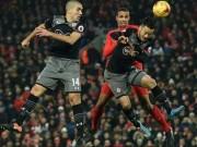 Liverpool - Southampton: Chào Manchester, anh đi C1!