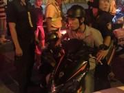 An ninh Xã hội - Táo tợn dùng cây gỗ đánh vào đầu cô gái cướp xe máy