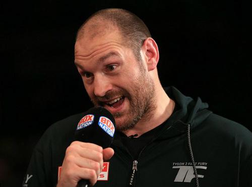"""""""Vua boxing"""" khoe của tiền tỷ, Tyson Fury dọa đấm vỡ mặt - 2"""