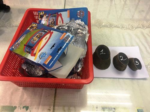 Bí mật trong hộp đồ chơi trẻ em qua cửa khẩu sân bay Tân Sơn Nhất - 1