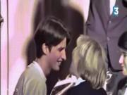 """Phim - Tân Tổng thống Pháp và mối tình """"cô trò"""" như phim với vợ hơn 24 tuổi"""