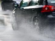 Tin tức ô tô - Nguyên nhân nhiều tai nạn xảy ra khi trời mưa