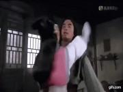 Cảnh Phan Kim Liên gạ tình Võ Tòng trong phim Tân Thủy Hử