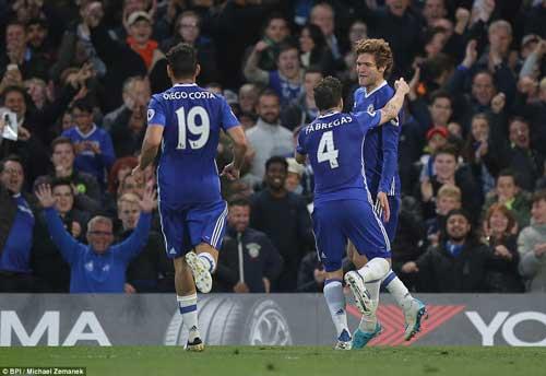 Tin bóng đá sáng 9/5: Fabregas qua mặt Rooney, Giggs