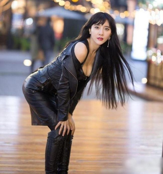 Võ Trung Quốc bị MMA sỉ nhục: Đả nữ tuyệt đẹp ra mặt - 7