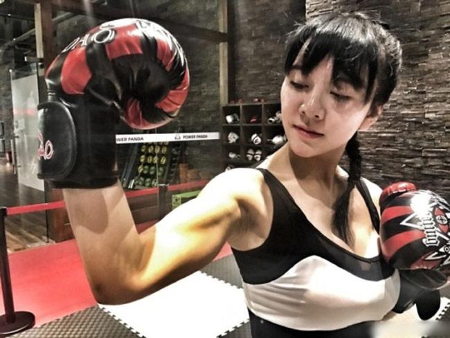 Võ Trung Quốc bị MMA sỉ nhục: Đả nữ tuyệt đẹp ra mặt - 5