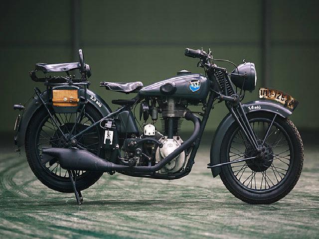 Độc đáo xe môtô chạy bằng động cơ hơi nước - 2
