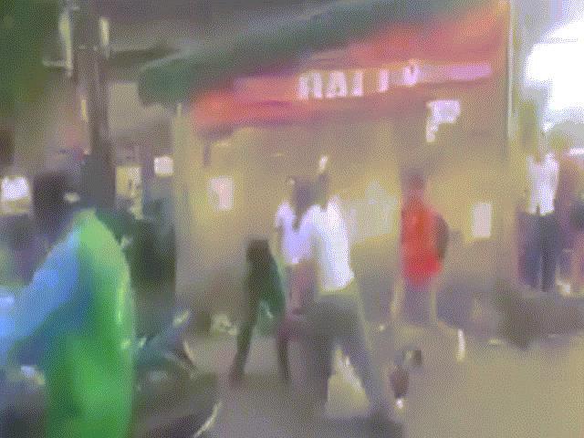 Thông tin bất ngờ vụ tài xế Grabbike hỗn chiến trước bến xe - 2