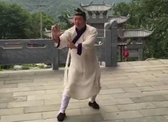 """Từ Hiểu Đông sỉ nhục võ Trung Quốc: Thiếu Lâm Tự, Võ Đang """"báo thù"""" - 3"""