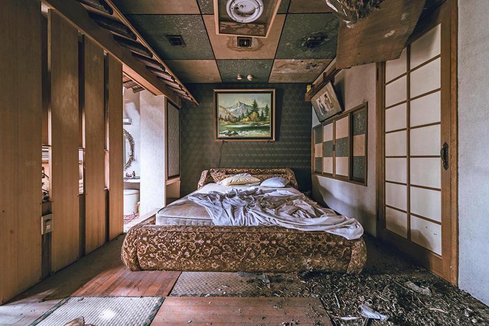"""Bí mật bên trong khách sạn """"người lớn"""" bỏ hoang ở Nhật Bản-3"""