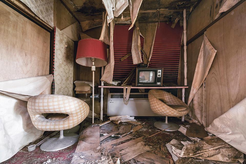 """Bí mật bên trong khách sạn """"người lớn"""" bỏ hoang ở Nhật Bản-8"""
