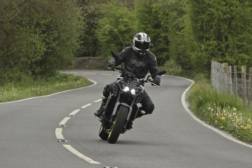 Lựa chọn Yamaha MT-09 hay Triumph Speed Triple 765 RS? - 2