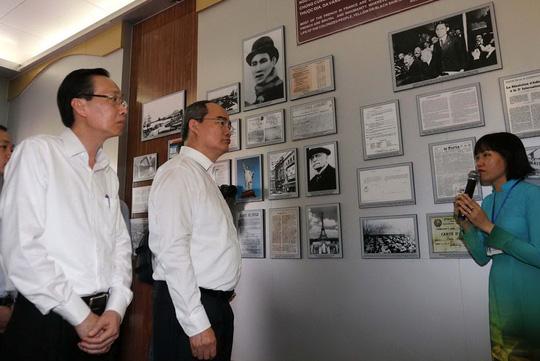 Chuyến thăm đầu tiên của tân Bí thư Thành ủy TP HCM - 2