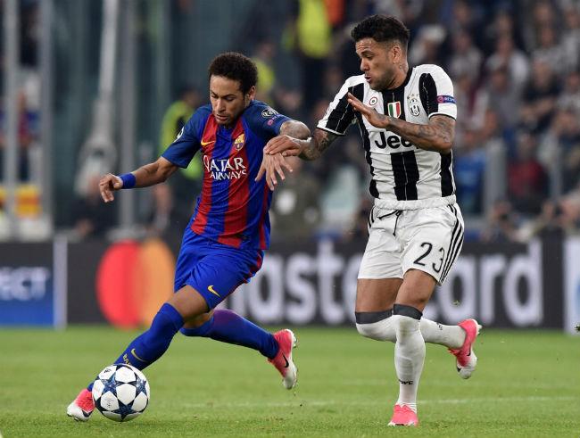 """Sai lầm thế kỷ: Vì """"hà tiện"""", Barca trả giá đắt với Alves"""