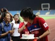 Bóng đá - U22 Việt Nam: Tuấn Anh được cô gái trẻ tặng quà sinh nhật