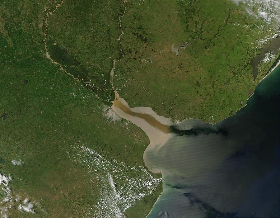 Câu chuyện bí ẩn về dòng sông kỳ lạ nhất thế giới - 2