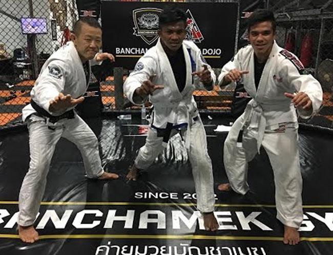 """""""Thánh Muay"""" Buakaw học võ Brazil: Xưng bá MMA, đả McGregor? - 1"""