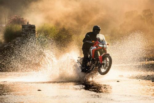 So găng Honda CRF 1000L Africa Twin và Ducati Multistrada 950 - 6