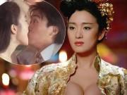 """Phim - 52 tuổi, mỹ nữ của Châu Tinh Trì vẫn diễn bạo """"hơn đứt"""" gái trẻ"""