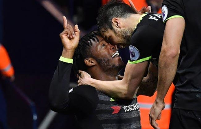 Báo chí ca ngợi Chelsea vô địch: Conte là nhà vua nước Anh
