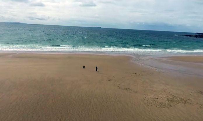 Bãi biển đột ngột xuất hiện trở lại sau hơn 30 năm biến mất - 3
