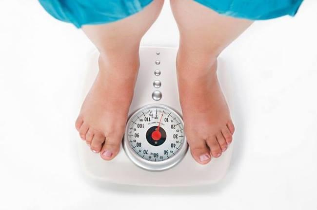 Vì sao phụ nữ béo phì khó mang thai? - 1