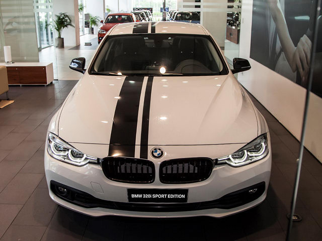 """BMW 320i """"thể thao"""" giá 1,667 tỷ đồng ở Việt Nam"""