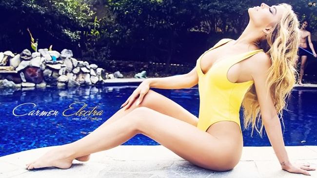 """Sở hữu số đo ba vòng  """" nóng rực """"  là & nbsp;94-63-92 & nbsp;(cm), Electra là người mẫu được yêu thích trên tạp chí Playboy."""