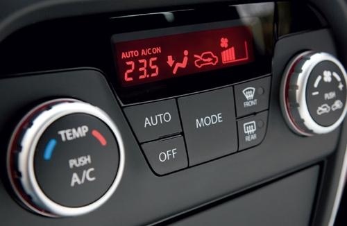 Mẹo sử dụng điều hòa ô tô khi trời nắng nóng - 1